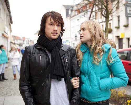 Trotz Versöhnung bleiben bei Ben leise Zweifel an der Beziehung zu Caro. - Bildquelle: David Saretzki - Sat1