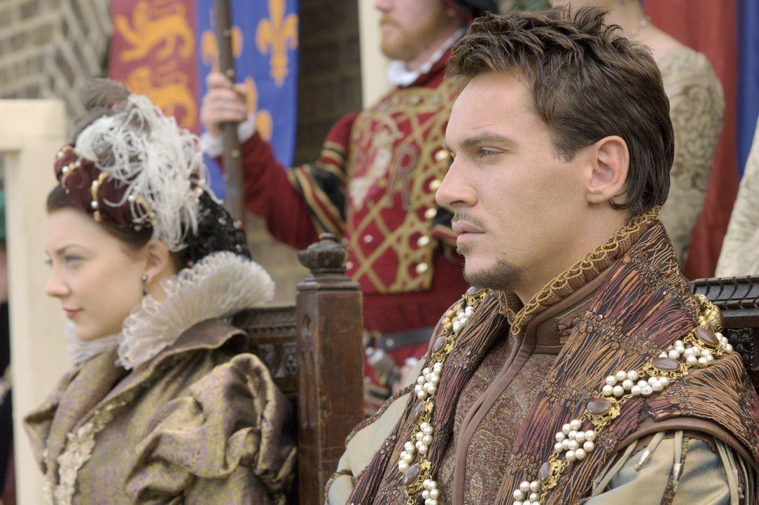 Um dem Volk die Vorstellung des Königs über Kirche und Staat näherzubringen, wird ein Theaterstück aufgeführt. König Henry VIII. (Jonathan Rhys Meye... - Bildquelle: 2008 TM Productions Limited and PA Tudors II Inc. All Rights Reserved.