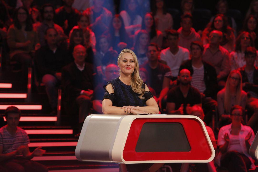 """Moderatorin Ruth Moschner präsentiert die neue Panelshow """"So tickt der Mensch"""" ... - Bildquelle: Richard Hübner SAT.1"""