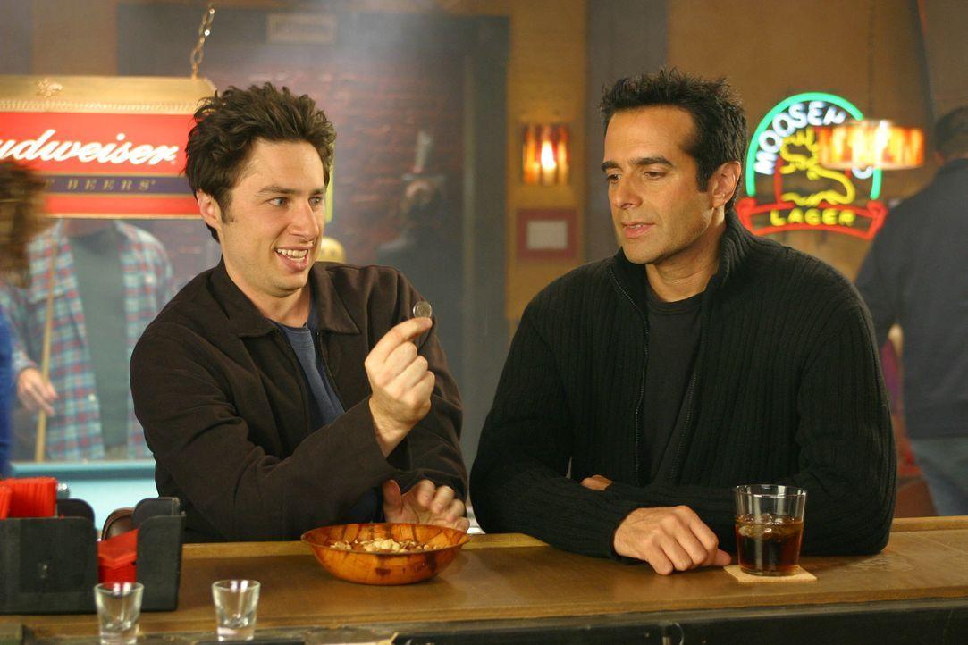 J.D. (Zach Braff, l.) trifft auf den Magier David Copperfield (r.) ... - Bildquelle: Touchstone Television