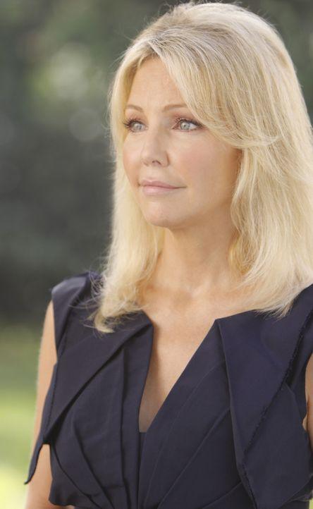 Die gefühlskalte Amanda (Heather Locklear) ist auf der Suche nach einem Gegenstand von sentimentalem Wert - wenn da nicht etwas faul ist.... - Bildquelle: 2009 The CW Network, LLC. All rights reserved.
