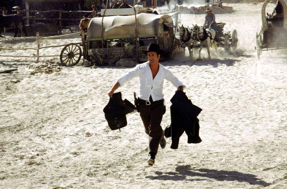 Bret Maverick (Mel Gibson) ist mit allen Wassern gewaschen. Den charmanten Poker-Spieler interessiert nur eines: Geld. - Bildquelle: Warner Bros. Pictures