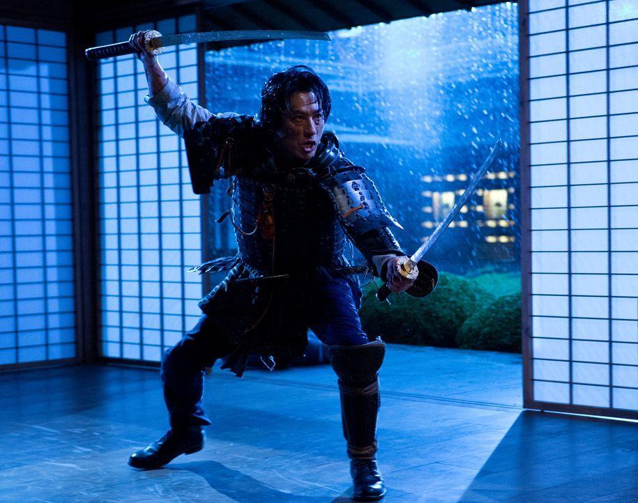 Konzernchef Shingen (Hiroyuki Sanada) gefällt es überhaupt nicht, dass Logan noch an seiner Unsterblichkeit festhält ... - Bildquelle: Ben Rothstein 2013 Twentieth Century Fox Film Corporation. All rights reserved.