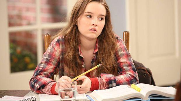 Um ihr  Wunsch-College besuchen zu können, entwickelt Eve (Kaitlyn Dever) ein...