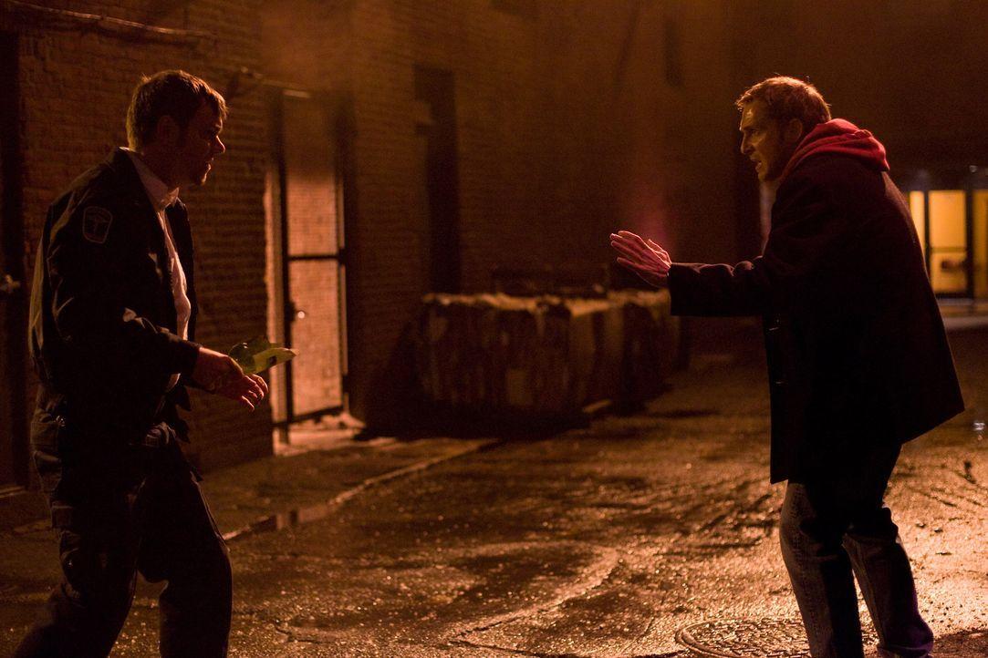 Verzweifelt versucht der herztransplantierte Terry (Josh Lucas, r.) den Mörder (Jamie Harrold) seines Organspenders zu überführen, bevor er dessen S...