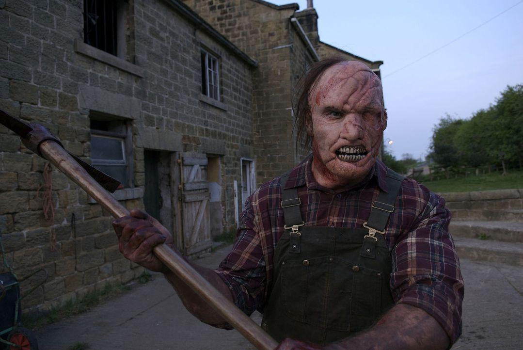 Mit ihm ist nicht zu spaßen: der Farmer (Dave Legeno) ... - Bildquelle: 2008 Steel Mill (Yorkshire) Limited/UK Film Council. All Rights Reserved.