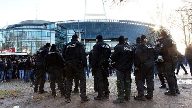 Polizeieinsatz beim Fußball