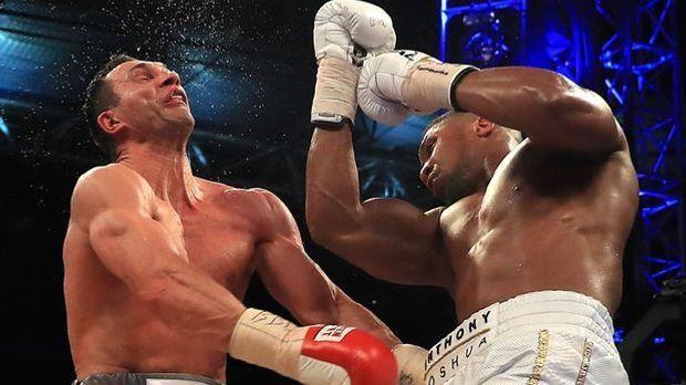 Wladimir Klitschko (l.) bekommt wohl in Las Vegas seine Revanche