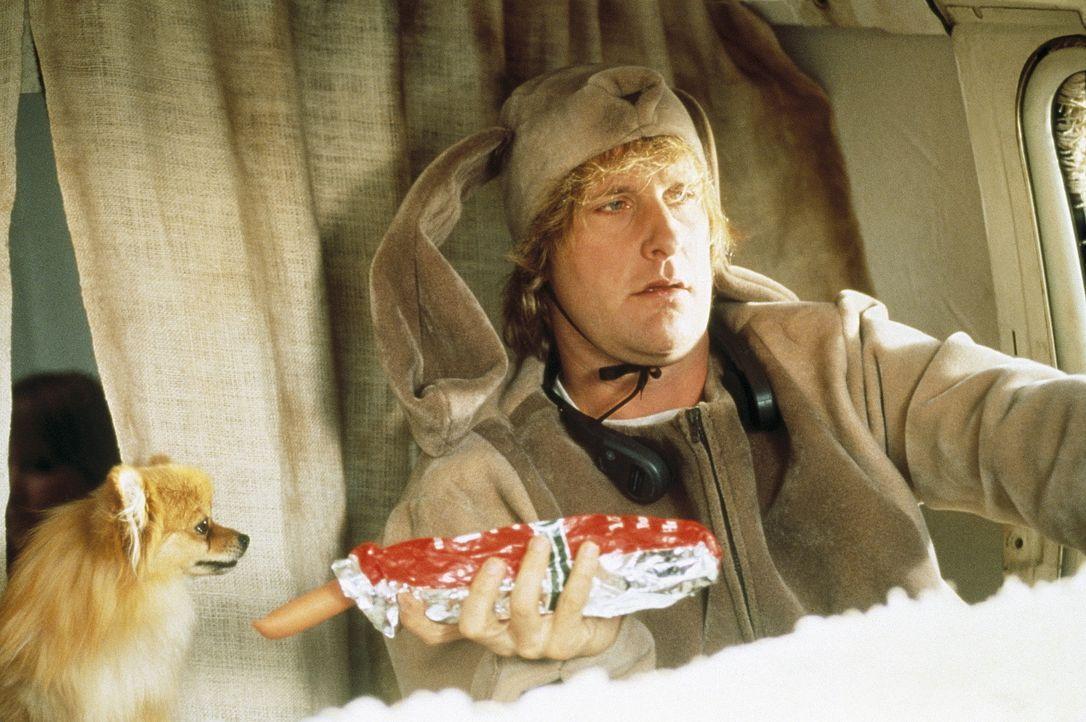 Harry (Jeff Daniels) mag zwar doof sein, geizig ist er jedoch nicht ... - Bildquelle: New Line Cinema