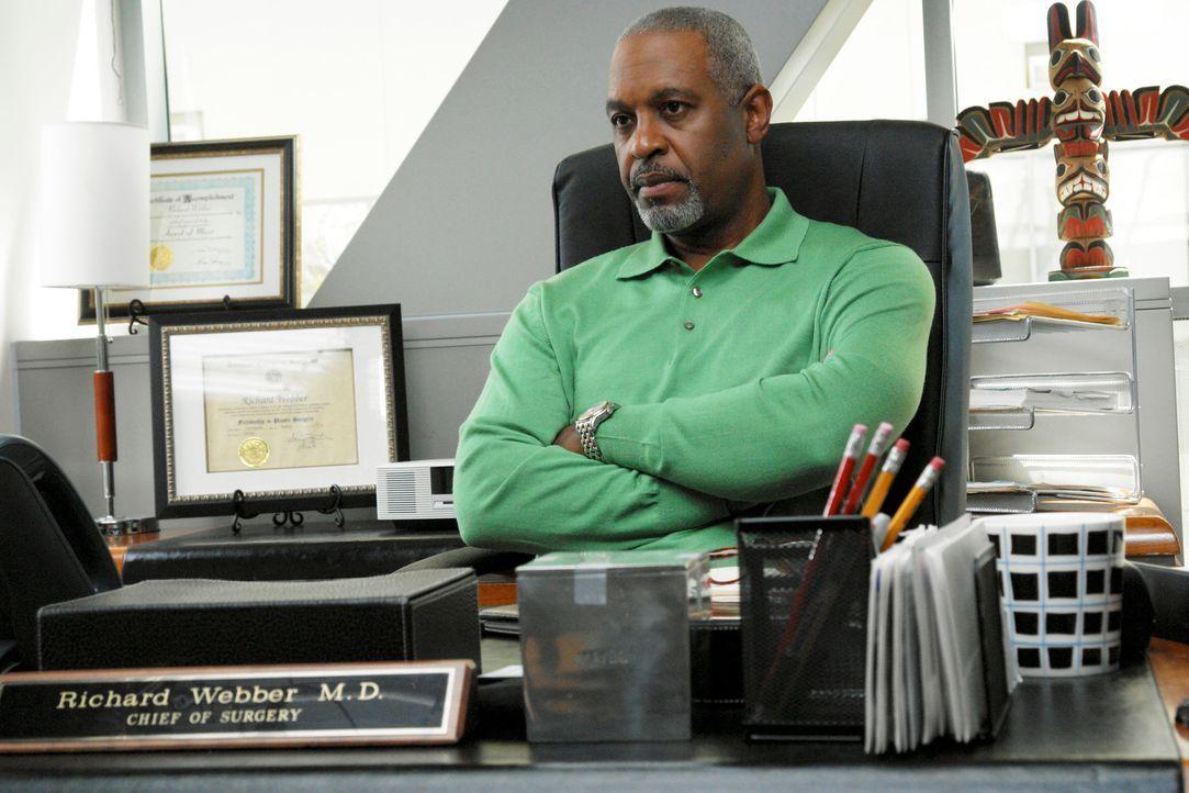 Chief Webber (James Pickens jr.) hört sich an, was Addison ihm zu sagen hat, doch von deren Entscheidung ist er alles andere als begeistert ... - Bildquelle: 2007 American Broadcasting Companies, Inc. All rights reserved.