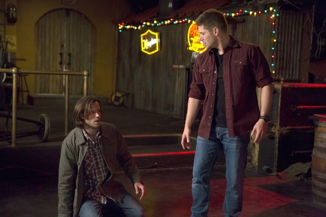 Dean (Jensen Ackles, r.) trifft eine erschreckende Entscheidung, die nicht nur sein Leben, sondern auch das von Sam (Jared Padalecki, l.) vollkommen... - Bildquelle: 2016 Warner Brothers