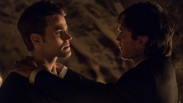 Der Kampf um Mystic Falls und alle, die ihnen lieb sind, fordert einen grausa...