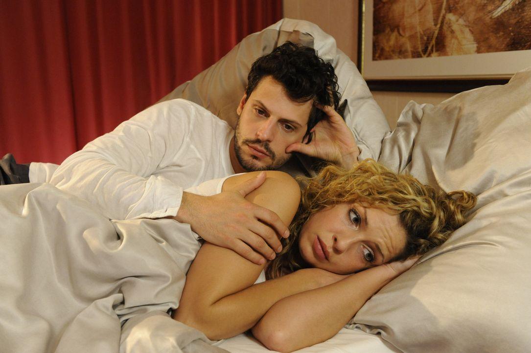 Wie wird es mit Luca (Manuel Cortez, l.) und Nina (Maria Wedig, r.) weitergehen? - Bildquelle: SAT.1