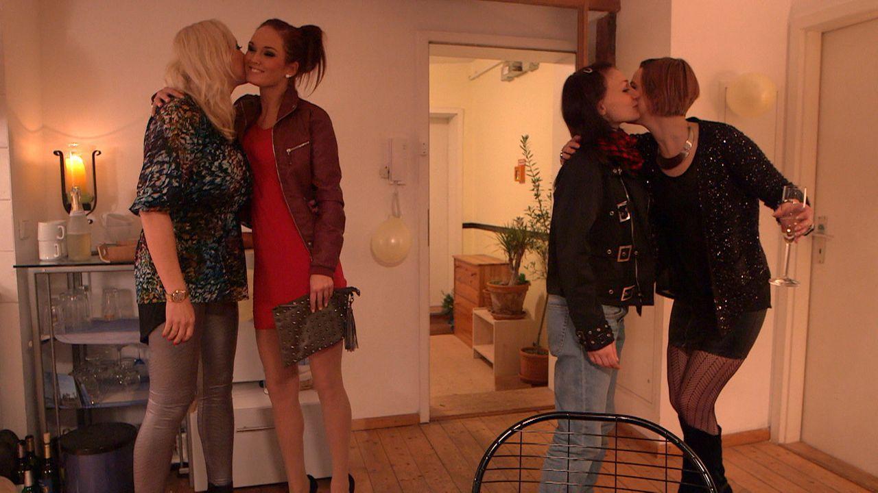 Mädchenabend: (v.l.n.r.) Doro, Michelle, Antonia und Niki - Bildquelle: SAT. 1
