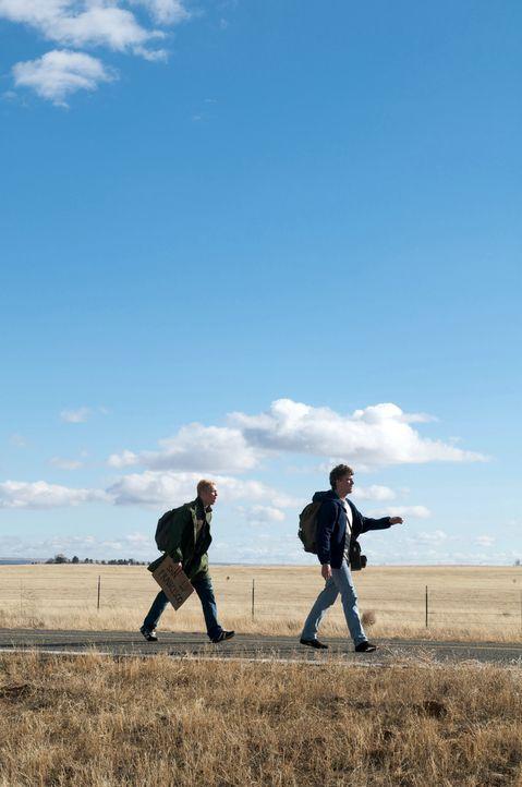 Wie kommt man von New York nach San Francisco, wenn man kein Geld hat? Zu Fuß! Doch haben Tom (Matthias Schweighöfer, l.) und Veit (Friedrich Müc... - Bildquelle: Sony Pictures Television Inc. All Rights Reserved.