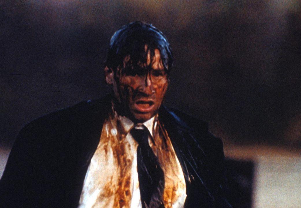 Eine gewaltige Explosion hätte Mulder (David Duchovny) fast das Leben gekostet. - Bildquelle: TM +   Twentieth Century Fox Film Corporation. All Rights Reserved.