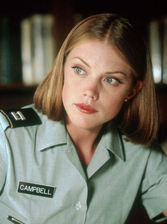 Unter dem Kommando ihres Vaters hat die schöne Elisabeth Campbell (Leslie Stefanson) als Psychologin und Offizierin der US-Army gedient. Doch dann g... - Bildquelle: TM & Copyright   2017 by Paramount Pictures. All rights reserved.