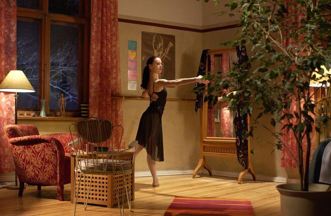 Die ehrgeizige Tänzerin Isabell (Karoline Kunz) kennt keine Grenzen bei der Verwirklichung ihres Lebenstraums ... - Bildquelle: Rainer Bajo ProSieben
