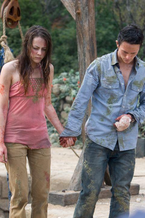 Viel zu spät erkennen Jeff (Jonathan Tucker, r.) und Amy (Jena Malone, l.), dass sie der entarteten, mörderischen  Natur nicht entkommen können ... - Bildquelle: 2008 DreamWorks LLC. All Rights Reserved.l