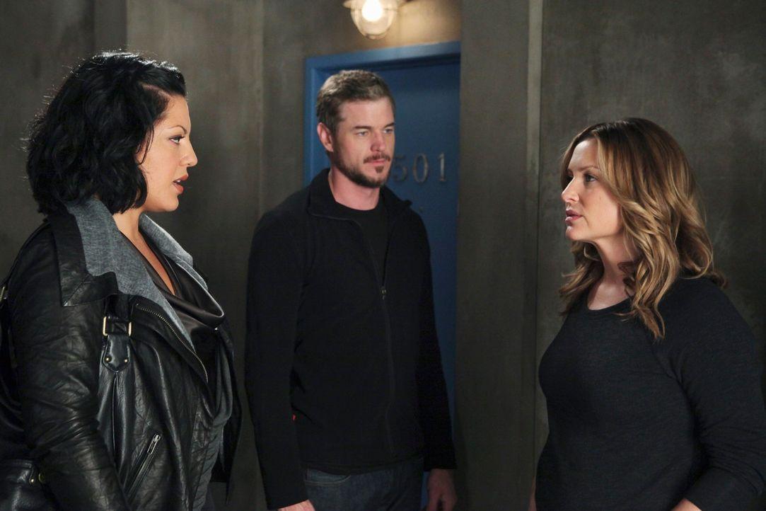 Stehen vor einer schwierigen Situation: Arizona (Jessica Capshaw, r.), Mark (Eric Dane, M.) und Callie (Sara Ramirez, l.) ... - Bildquelle: ABC Studios