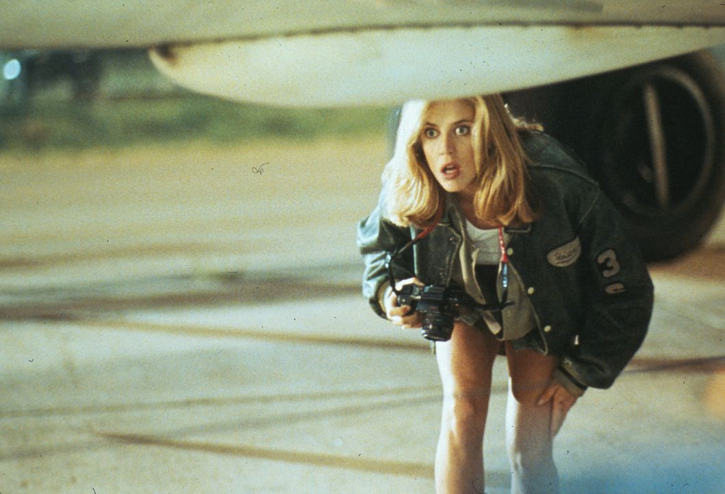 Schon bald ahnt die Journalistin Veronica Roberts (Ally Walker), dass Luc Devreux kein normaler Mensch sein kann, sondern Mitglied der Antiterror-Ei... - Bildquelle: 1992 TriStar Pictures
