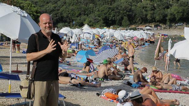 An den beliebten Campingstandorten in Italien und Kroatien begibt sich Peter...