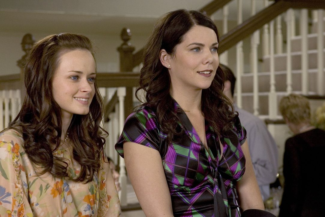 (v.l.n.r.) Rory (Alexis Bledel); Lorelai (Lauren Graham) - Bildquelle: Warner Bros.