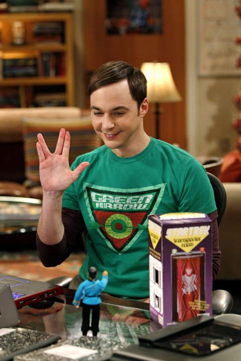 Nach einem Geschenk von Penny glaubt Sheldon (Jim Parsons), von Mr. Spock verfolgt zu werden ... - Bildquelle: Warner Bros. Television