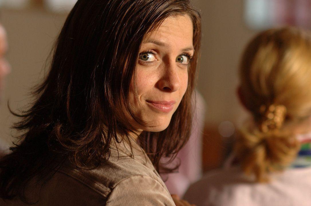 Als alleinerziehende Mutter und Studentin bleibt Anna (Julia Brendler) wenig Zeit für ein Privatleben. Eines Tages zieht ein neuer Mieter ins Haus .... - Bildquelle: Dirk Plamböck ProSieben