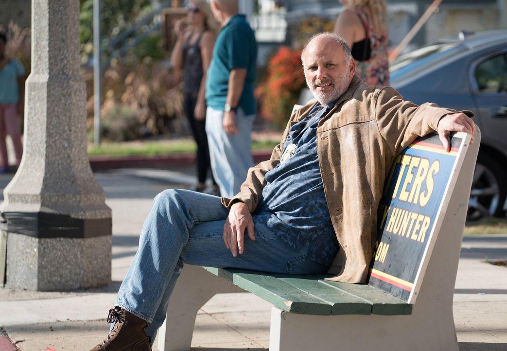 Kopfgeldjäger Floyd Butters (Kurt Fuller) will sich mit Rosewood und Villa zusammentun, um den Mörder eines Kollegen zu erwischen ... - Bildquelle: 2015-2016 Fox and its related entities.  All rights reserved.