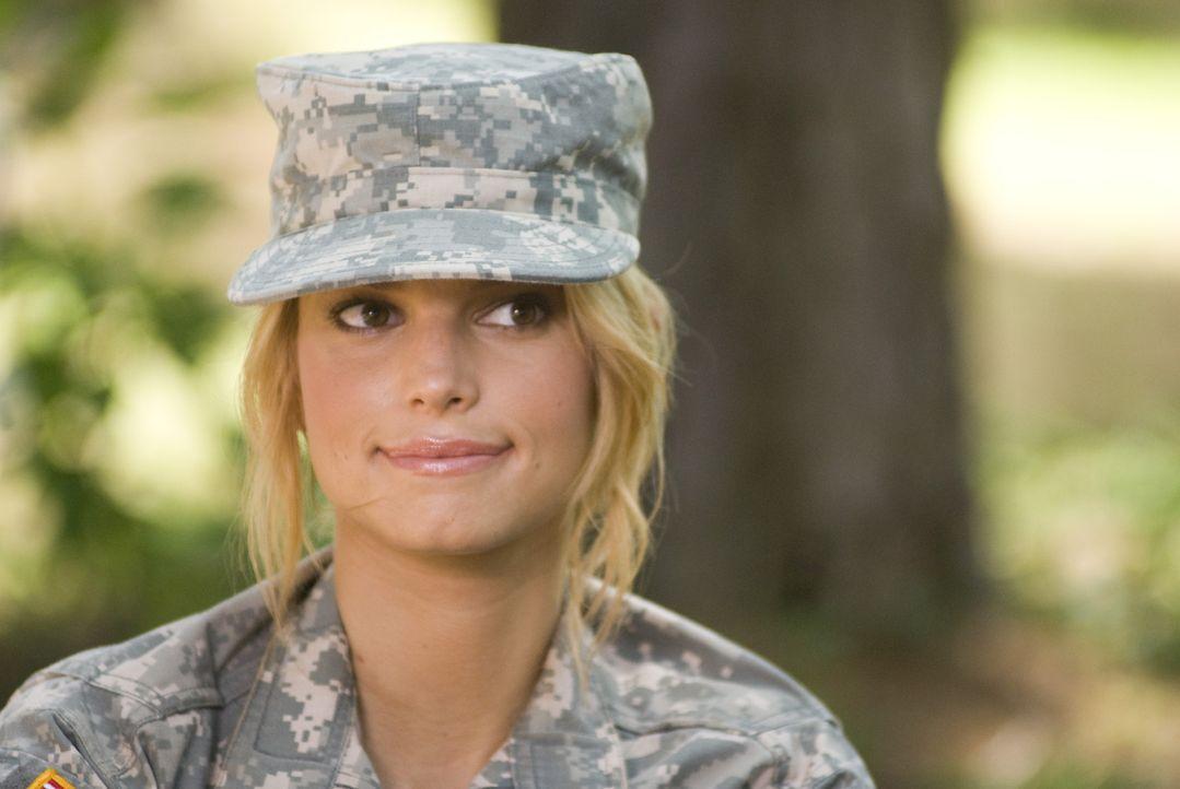 Das verwöhnte Hollywoodsternchen Megan Valentine (Jessica Simpson) will sein Leben grundlegend ändern. Ein Ausbildungsprogramm bei der U.S. Army s... - Bildquelle: 2007 MAJOR PRODUCTIONS, INC.