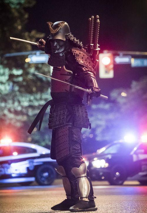 Auf der Suche nach The Flash kommt ein mysteriöser Samurai (Darsteller unbekannt) in die Stadt und er will sich nicht damit zufriedengeben, dass die... - Bildquelle: 2017 Warner Bros.