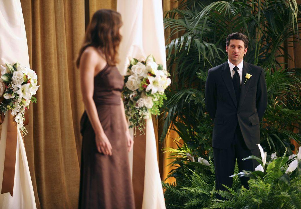 Derek (Patrick Dempsey, r.) ahnt, dass Meredith (Ellen Pompeo, l.) keine gute Nachricht hat ... - Bildquelle: Touchstone Television