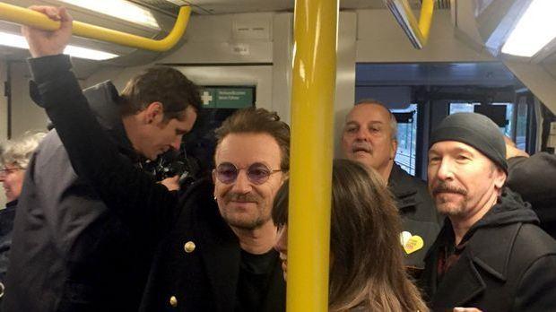 Bono (l.) und The Edge von U2 in der Berliner U2