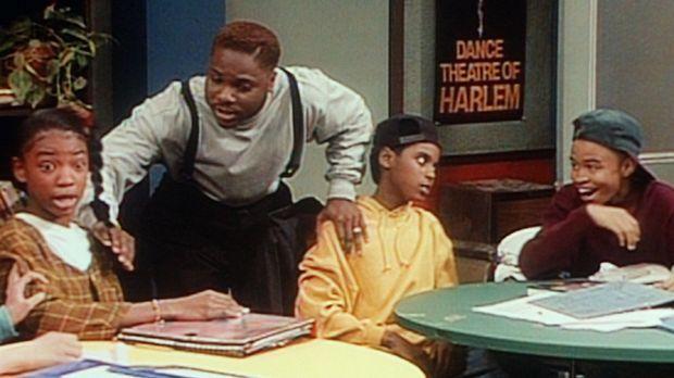 Eugene (Eugene Byrd, r.) amüsiert sich nur, als Theo (Malcolm-Jamal  Warner,...
