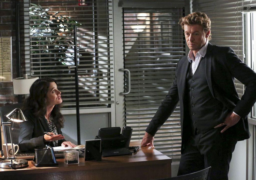 Ein neuer Fall beschäftigt Patrick (Simon Baker, r.) und Teresa (Robin Tunney, l.) ... - Bildquelle: Warner Bros. Television