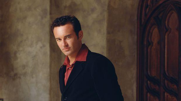(4. Staffel) - Cole (Julian McMahon) wird immer wieder von der Quelle des Bös...