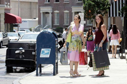 Charmed - Zauberhafte Hexen - Paige, Phoebe (Alyssa Milano, l.), Piper (Holly...