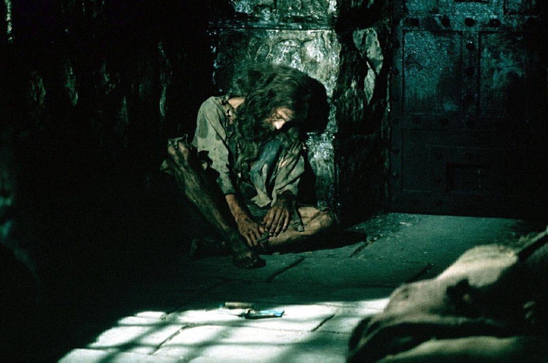 Viele Jahre verbringt Edmond Dantes (Richard Chamberlain) unschuldig in Kerkerhaft auf der vor Marseilles gelegenen Kerkerinsel Chateau d´If. Da h - Bildquelle: National Broadcasting Company (NBC)