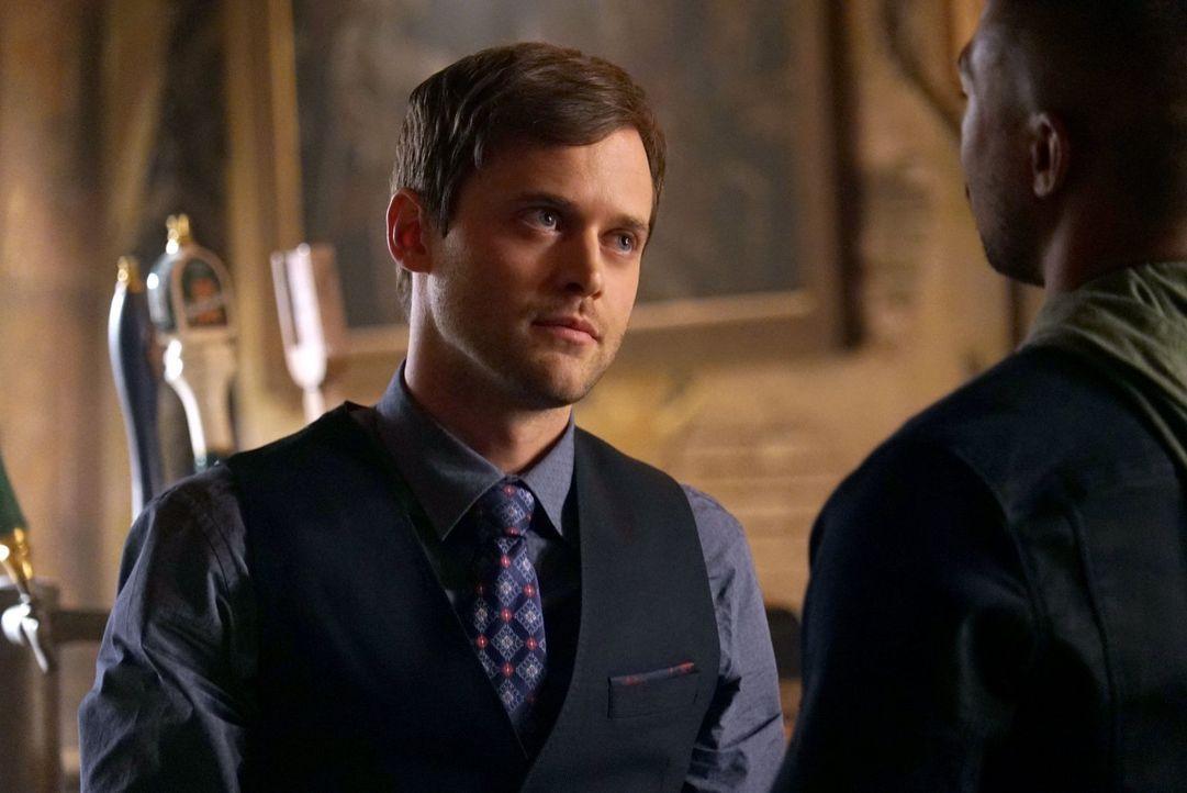 Wie wird Tristan (Oliver Ackland) reagieren, wenn ihm bewusst wird, dass seine neusten Pläne nicht ohne weiteres aufgehen werden? - Bildquelle: Warner Bros. Entertainment Inc.