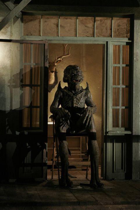 Pumpkinhead kann in aller Ruhe auf seine Opfer warten, denn ihm entgeht niemand ... - Bildquelle: 2006 Pueblo Film Distribution Limited. All Rights Reserved.