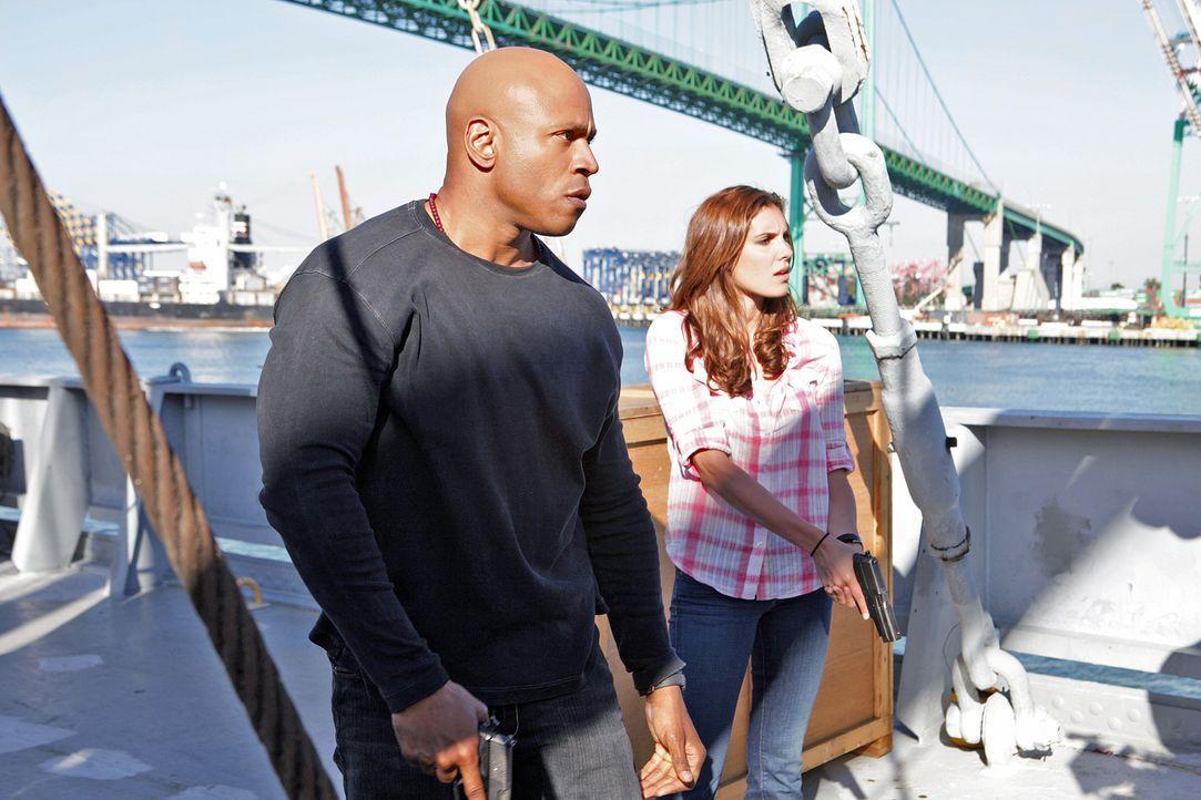 Ein neuer Fall beschäftigt Sam (LL Cool J, l.) und Kensi (Daniela Ruah, r.) ... - Bildquelle: CBS Studios Inc. All Rights Reserved.