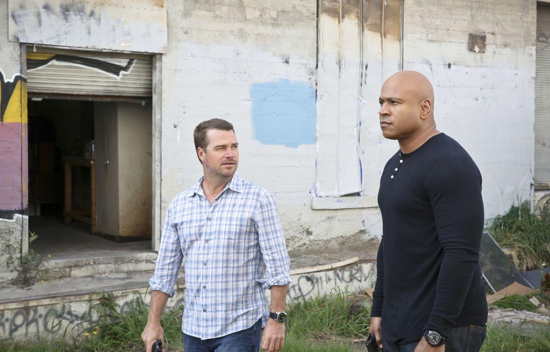 Ermitteln in einen neuen Fall: Callen (Chris O'Donnell, l.) und Sam (LL Cool J, r.) ... - Bildquelle: Cliff Lipson 2016 CBS Broadcasting, Inc. All Rights Reserved.