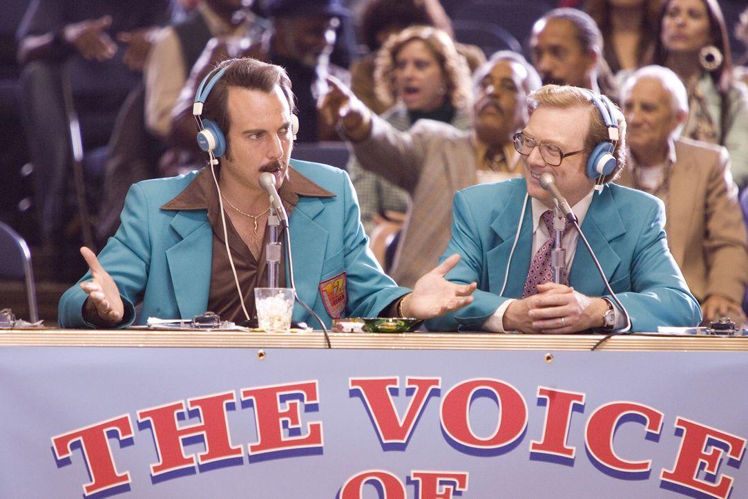 Dick Pepperfield (Andrew Daly, r.) und Lou Redwood (Will Arnett, l.) haben wenig Hoffnung, dass die Flint Michigan Tropics den Sprung in die NBA sch... - Bildquelle: 2008 Warner Brothers