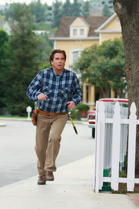 Überraschend stirbt der beliebte Handwerker der Wisteria Lane, Eli Scruggs (Beau Bridges) ... - Bildquelle: ABC Studios