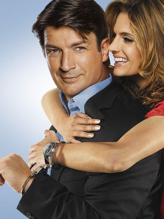 (5. Staffel) - Der Schriftsteller Richard Castle (Nathan Fillion, l.) darf so lange an der Seite der Polizeidetektivin Kate Beckett (Stana Katic, r.... - Bildquelle: ABC Studios