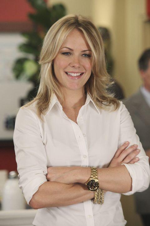 Auch sie würde gerne zur besten Mitarbeiterin gekürt werden: Alice (Andrea Anders) - Bildquelle: Sony Pictures Television Inc. All Rights Reserved.