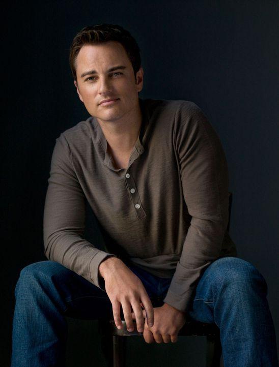 (1. Staffel) - Der Radiomoderator Ryan Thomas (Kerr Smith) ist überrascht, als plötzlich die Tochter seiner frisch Verlobten vor der Tür steht ... - Bildquelle: The CW   2009 The CW Network, LLC. All Rights Reserved