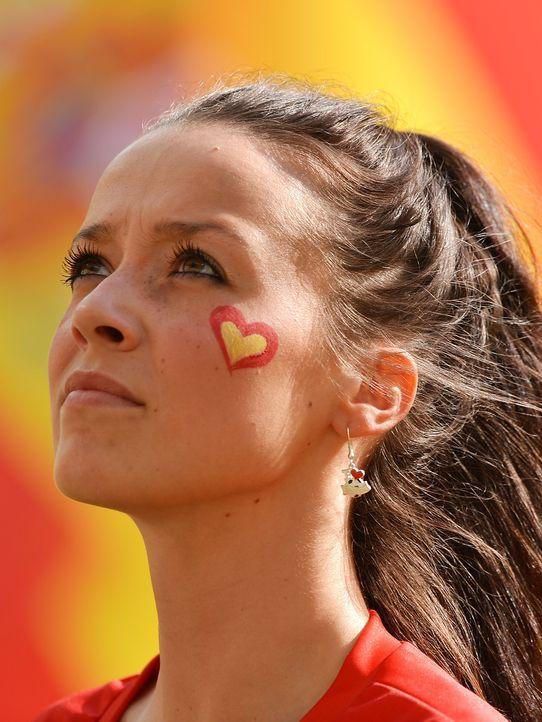schone-fans-12-06-11-03-AFP - Bildquelle: AFP