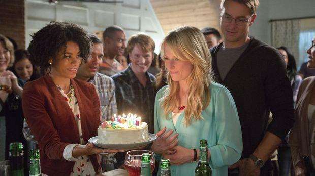 Tyra (Kelly McCreary, l.) und Will (Justin Hartley, r.) bringen Emily (Mamie...